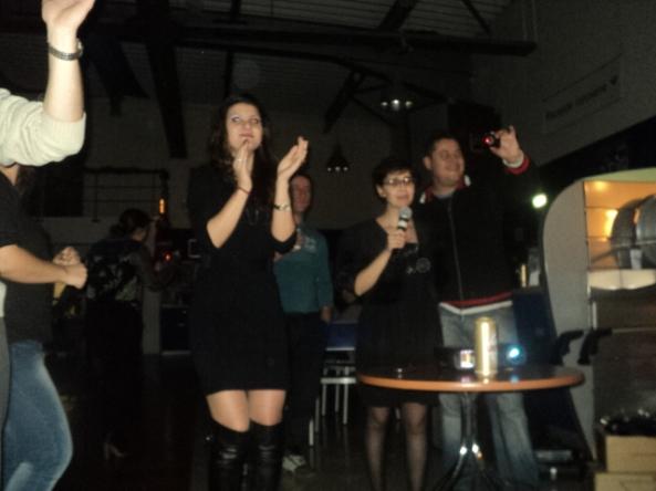 Petrecere Sărbători serviciu. Karaoke.